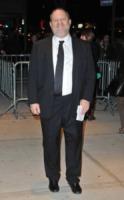 Harvey Weinstein - New York - 26-11-2012 - Harvey Weinstein molesta una modella italiana
