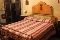 Camera da letto di Maria Teresa - San Giuliano Terme - 18-12-2012 - Villa Corliano a San Giuliano Terme, la villa dei misteri