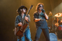 Alice Cooper, Johnny Depp - Los Angeles - 02-12-2012 - Star come noi: le celebrità se le suonano!