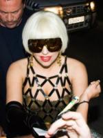 Johannesburg - 27-11-2012 - Lady Gaga acquista 55 pezzi appartenuti a Michael Jackson