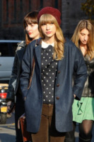 Taylor Swift - New York - 04-12-2012 - Si scrive street-style chic, si legge… Taylor Swift!