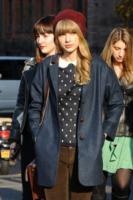 Taylor Swift - New York - 04-12-2012 - Si scrive street-style chic, si legge… Taylor Swift!