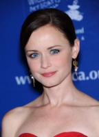 "Alexis Bledel - Beverly Hills - 05-12-2012 - Matt Bomer: ""Ansioso di vedere il film con Charlie e Dakota"""