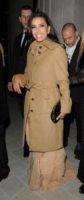Eva Longoria - Londra - 09-12-2012 - L'inverno porta in dote i colori neutrali, come il beige