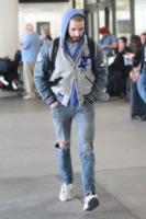 Shia LaBeouf - Los Angeles - 11-12-2012 - Shia LaBeuof e il cambio d'abito, questo sconosciuto
