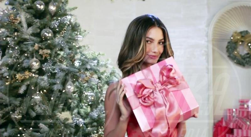 Lily Aldridge - New York - 12-12-2012 - Un Natale che più bello non si può