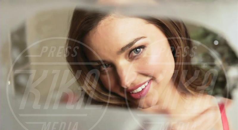 Miranda Kerr - New York - 12-12-2012 - Un Natale che più bello non si può