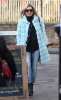 Kate Moss - Londra - 12-12-2012 - Kate Moss, non è tutto nero quel che indossa…