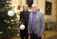 Carey Mulligan - Londra - 12-12-2012 - Carey Mulligan e David Cameron insieme per l'Alzheimer's Society