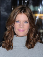 Michelle Stafford - Hollywood - 12-12-2012 - La cicogna in affitto continua ad avere successo