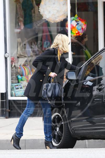 Kirsten Dunst - Los Angeles - 23-12-2010 - Divieto di sosta: tutte le star in contravvenzione