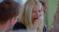 Gwyneth Paltrow - Londra - 17-12-2012 - Jamie Oliver sfida Gwyneth Paltrow con un marshmallow