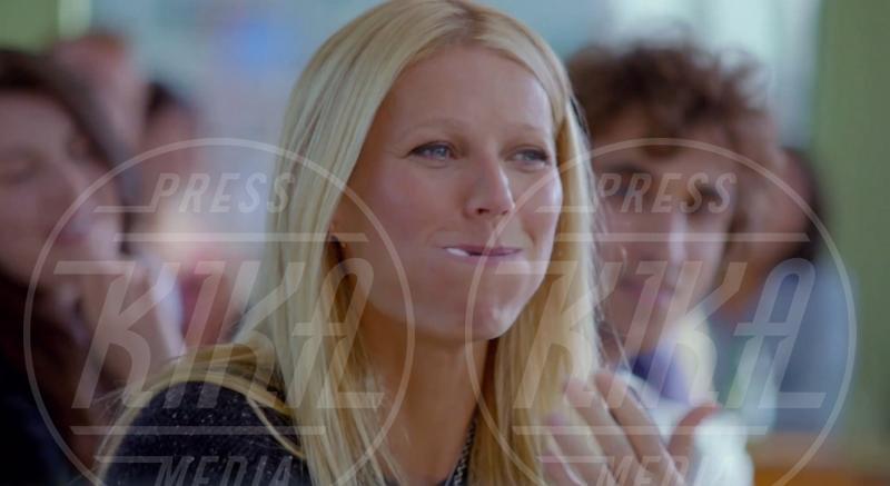 Gwyneth Paltrow - Londra - 17-12-2012 - La grande abbuffata… che non incide sulla bilancia!