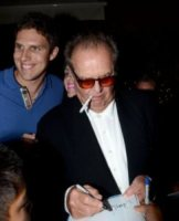 Jack Nicholson - Los Angeles - 03-08-2012 - La sigaretta elettronica va di moda anche a Hollywood