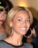 Beyonce Knowles - Parigi - 28-07-2011 - Star come noi: non c'è trucco e non c'è inganno
