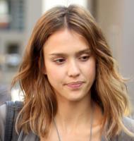 Jessica Alba - 28-07-2011 - Star come noi: non c'è trucco e non c'è inganno