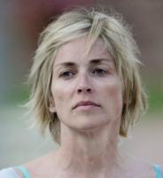 Sharon Stone - 28-07-2011 - Eva Longoria, mamma troppo indaffarata per il make up!