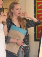 Amanda Seyfried - Los Angeles - 14-06-2010 - Star come noi: non c'è trucco e non c'è inganno