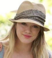 Hilary Duff - Beverly Hills - 28-07-2011 - Star come noi: non c'è trucco e non c'è inganno