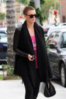 Charlize Theron - Los Angeles - 22-12-2012 - Kristen Stewart ci ha dato un taglio... definitivo!