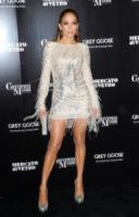 Jennifer Lopez - Los Angeles - 20-11-2011 - Jennifer Lopez a Las Vegas: show mozzafiato a 48 anni