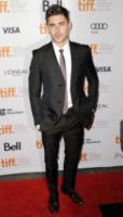 Zac Efron - Toronto - 09-09-2012 - Daniel Craig è l'uomo più elegante del 2012