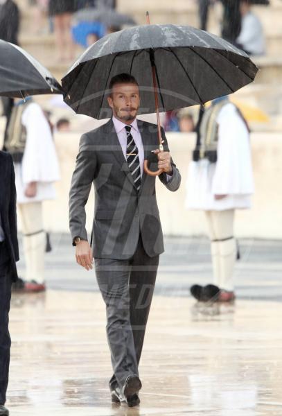 David Beckham - Atene - 17-05-2012 - La primavera non arriva. E tu, di che ombrello sei?