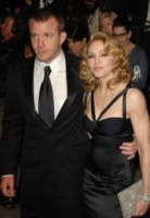 Guy Ritchie, Madonna - West Hollywood - 25-02-2007 - Divorzio mio quanto mi costi!