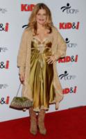 Linda Hamilton - Hollywood - 28-11-2005 - Divorzio mio quanto mi costi!