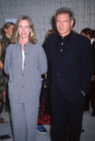 Melissa Mathison, Harrison Ford - Hollywood - 02-02-2006 - Divorzio mio quanto mi costi!