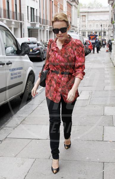Kylie Minogue - Londra - 09-05-2012 - In punta di piedi… e di metallo!