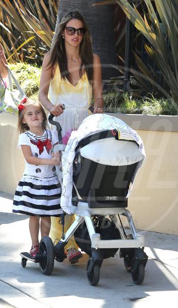 Anja Mazur, Alessandra Ambrosio - Los Angeles - 18-09-2012 - A tre ruote, colorato o tutto blu: a ognuno il suo passeggino