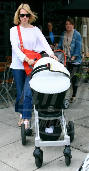 Xander Dane Jones, January Jones - Los Angeles - 26-04-2012 - A tre ruote, colorato o tutto blu: a ognuno il suo passeggino