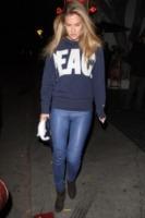 Bar Refaeli - Los Angeles - 04-01-2013 - Dillo con una t-shirt: Kate Mara difende gli scimpanzè
