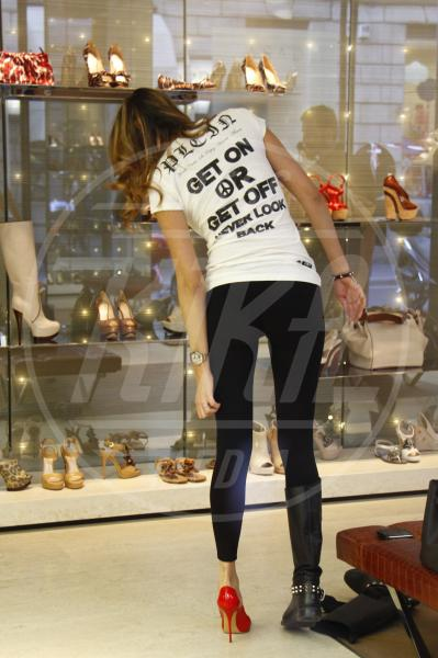 Aida Yespica - Milano - 07-04-2011 - Dillo con una t-shirt: Taylor Swift vuole una vita bohémienne