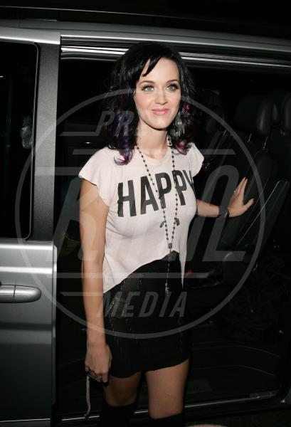 Katy Perry - Londra - 01-09-2010 - Dillo con una t-shirt: Kate Mara difende gli scimpanzè