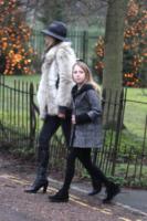 Lila Grace Moss, Kate Moss - Londra - 06-01-2013 - Tale madre tale figlia, giovanissima: la riconosci?