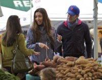 Rene Puente, Matthew Morrison - Los Angeles - 06-01-2013 - Dalla fattoria a casa tua, spesa bio da star