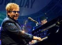 Elton John - Londra - 21-09-2012 - Sir Elton John ricoverato per un'appendicite