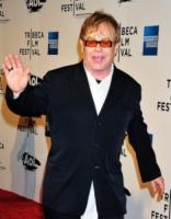 Elton John - Beverly Hills - 20-04-2011 - Sir Elton John ricoverato per un'appendicite