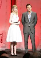 Seth MacFarlane, Emma Stone - Hollywood - 10-01-2013 - Emma Stone ha già vinto l'Oscar dell'eleganza!