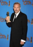 Kevin Costner - Beverly Hills - 13-01-2013 - Kevin Costner stringe un accordo per produrre serie tv