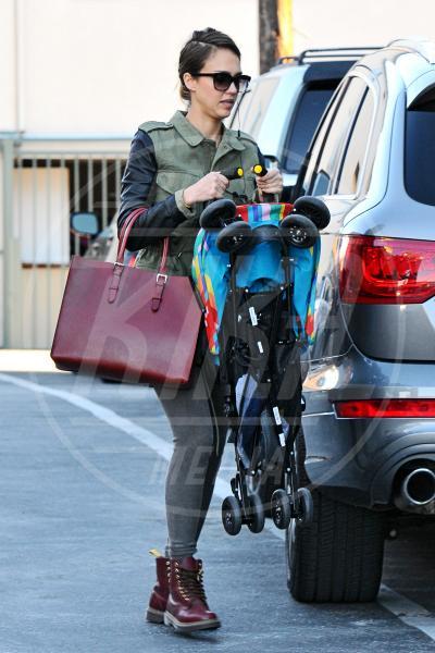 Jessica Alba - Los Angeles - 15-01-2013 - A tre ruote, colorato o tutto blu: a ognuno il suo passeggino