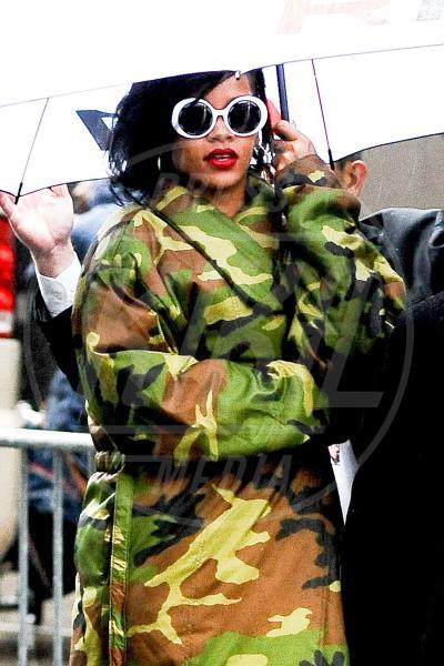 Rihanna - New York - 07-11-2012 - Le star che si mimetizzano nella giungla metropolitana