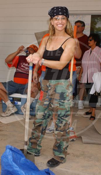 Heidi Newfeld - 15-05-2005 - Le star che si mimetizzano nella giungla metropolitana