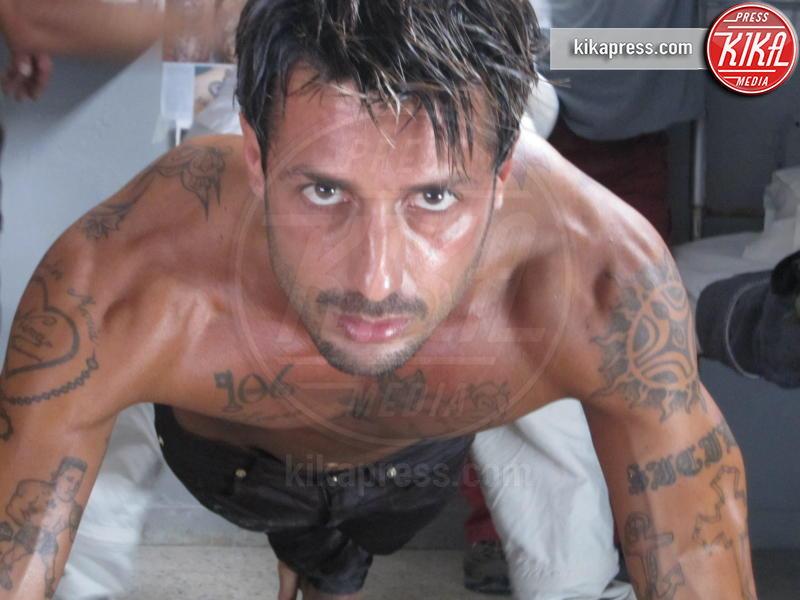 Fabrizio Corona - Roma - 10-08-2009 - La trasformazione di Andrea Iannone in... Fabrizio Corona!