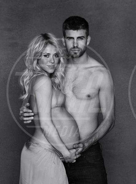 Gerard Piqué, Shakira - Los Angeles - 20-12-2012 - I neonati diventano star in rete grazie al Childbirth-selfie