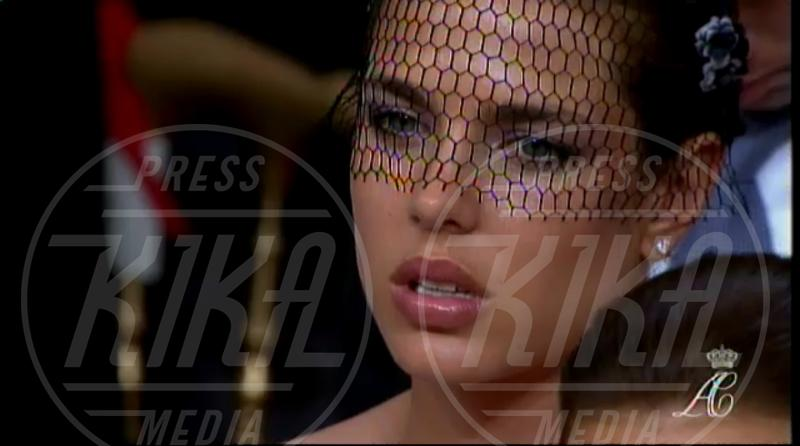 Charlotte Casiraghi - Monaco - 02-07-2011 - Il fascino retrò del cappello con veletta