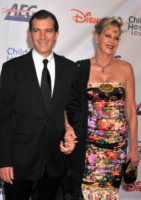 Antonio Banderas, Melanie Griffith - Los Angeles - 20-10-2012 - Antonio Banderas in due film col numero 33