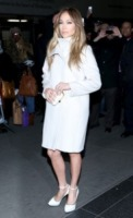 Jennifer Lopez - New York - 23-01-2013 - Le celebrities vanno in bianco… anche d'inverno!